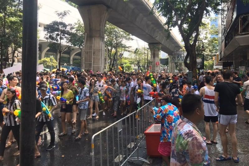 コロナ非常事態宣言15日・タイ正月ソンクラーン延期で街の実際の様子