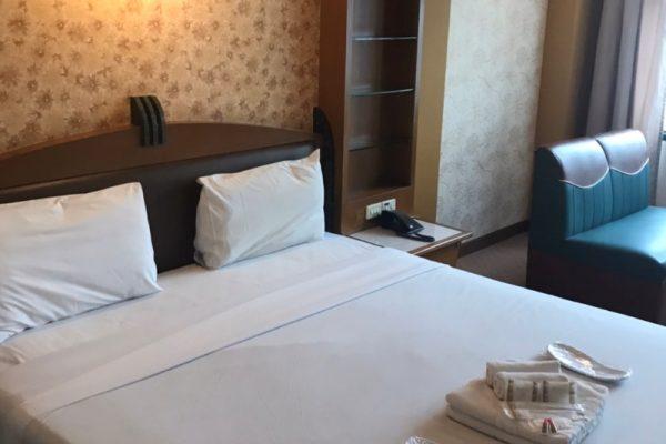 バンコク ババナホテル