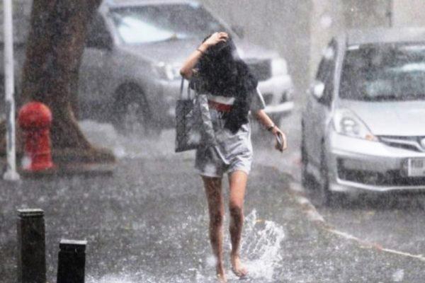 バンコク 雨